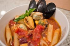 Tomato Mussels & Penne